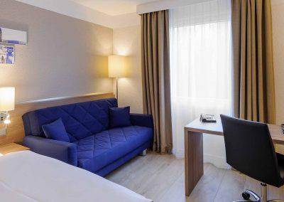 Mercure Hotel Aachen Europaplatz Standardzimmer mit Ausziehcouch (11)